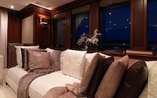 Motor Yacht My Little Violet seating area