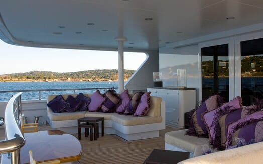 Motor Yacht My Little Violet outdoor seating