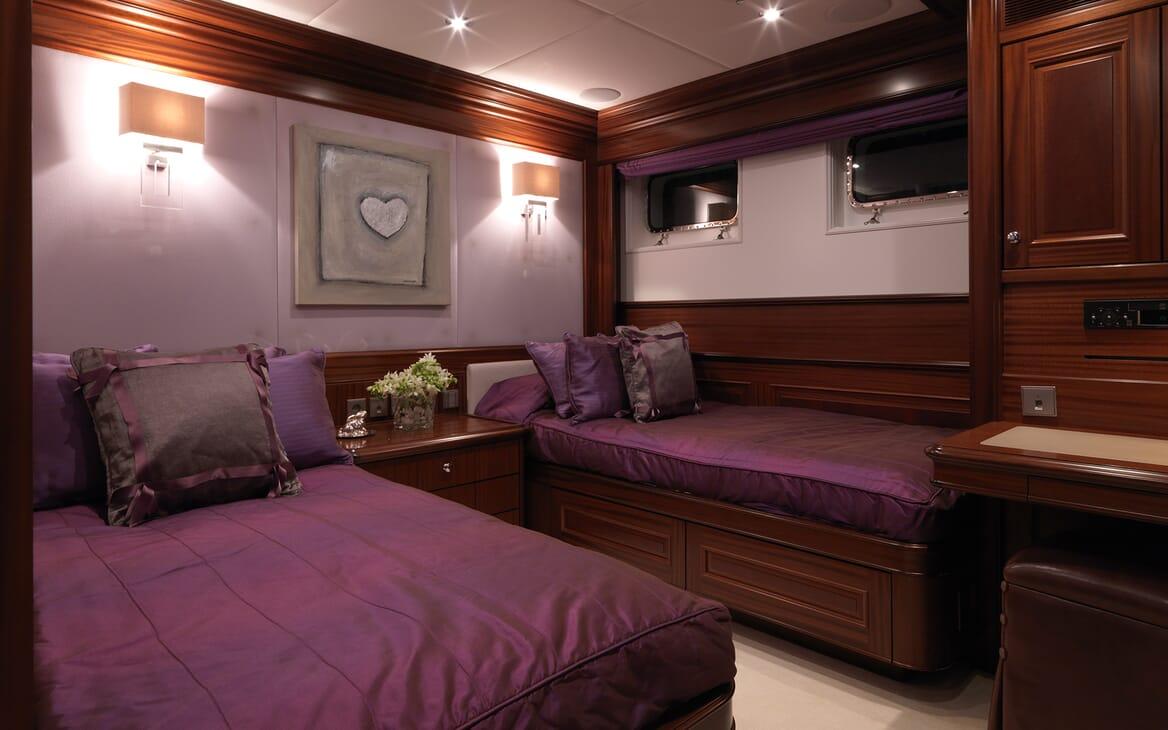 Motor Yacht My Little Violet twin cabin