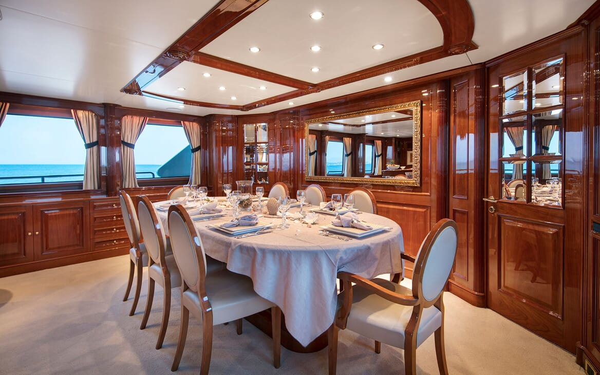 Motor Yacht DXB Dining Room