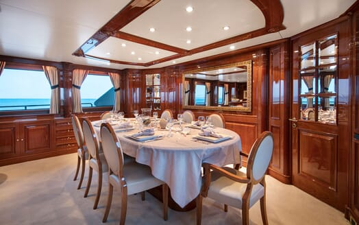 Motor Yacht DXB Dining Room