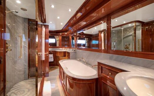 Motor Yacht DXB Bathroom