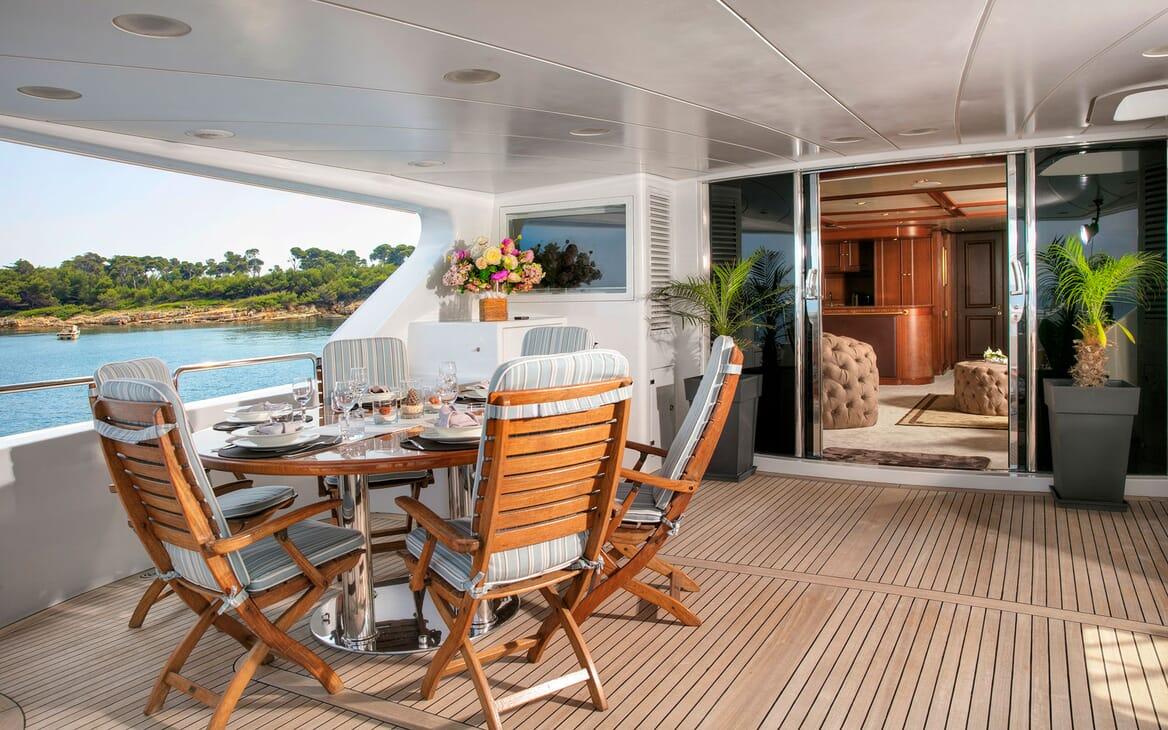 Motor Yacht DXB Aft Deck Dining