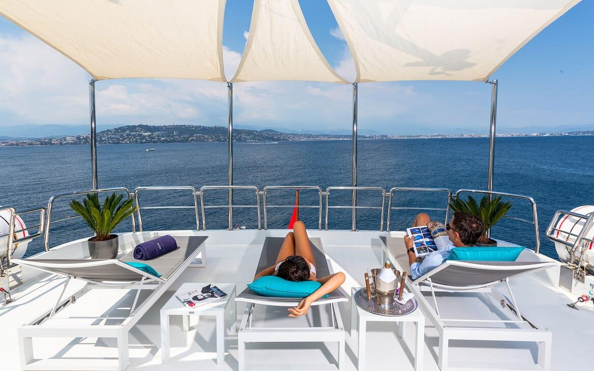 Motor Yacht DXB Sun Deck Loungers