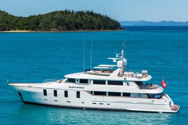 Motor Yacht Silentworld