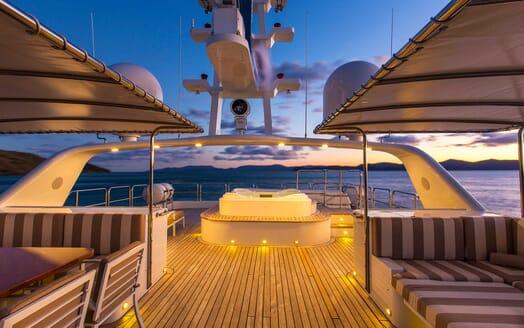 Motor Yacht Silentworld sundeck