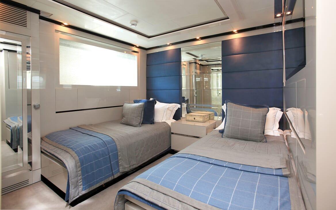 Motor Yacht Sealyon twin cabin