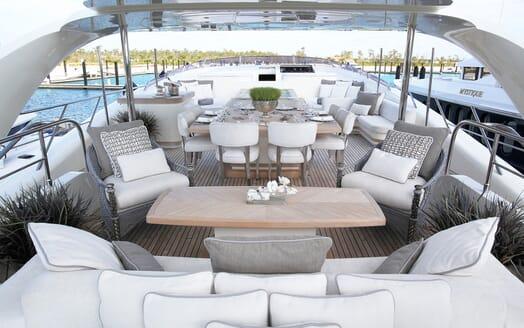 Motor Yacht Sealyon sun deck