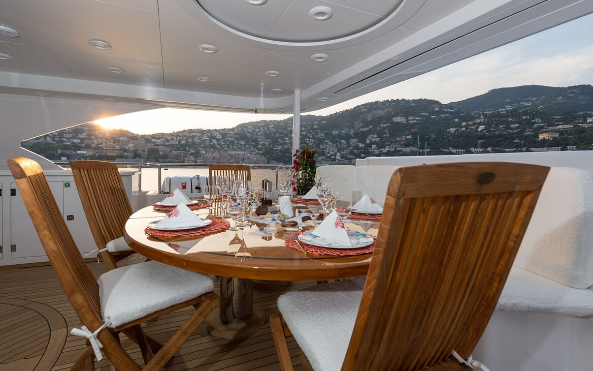 Motor Yacht BINA Main Deck Al Fresco Dining