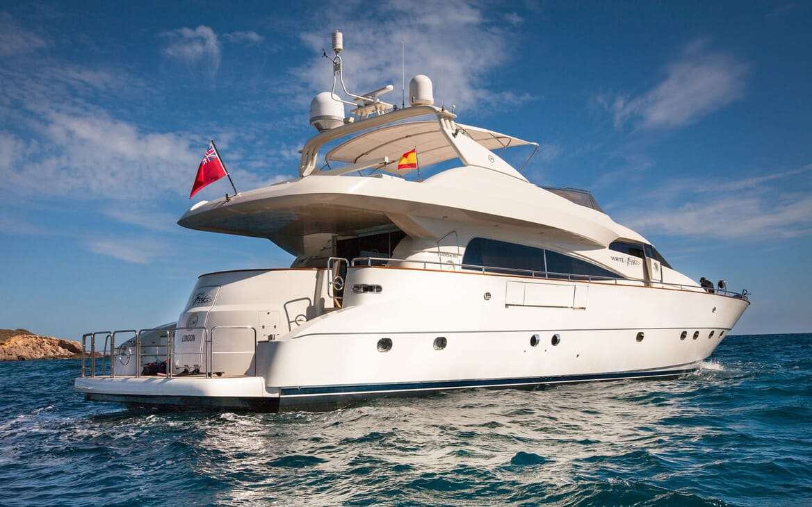 Motor Yacht WHITE FANG Exterior Aft