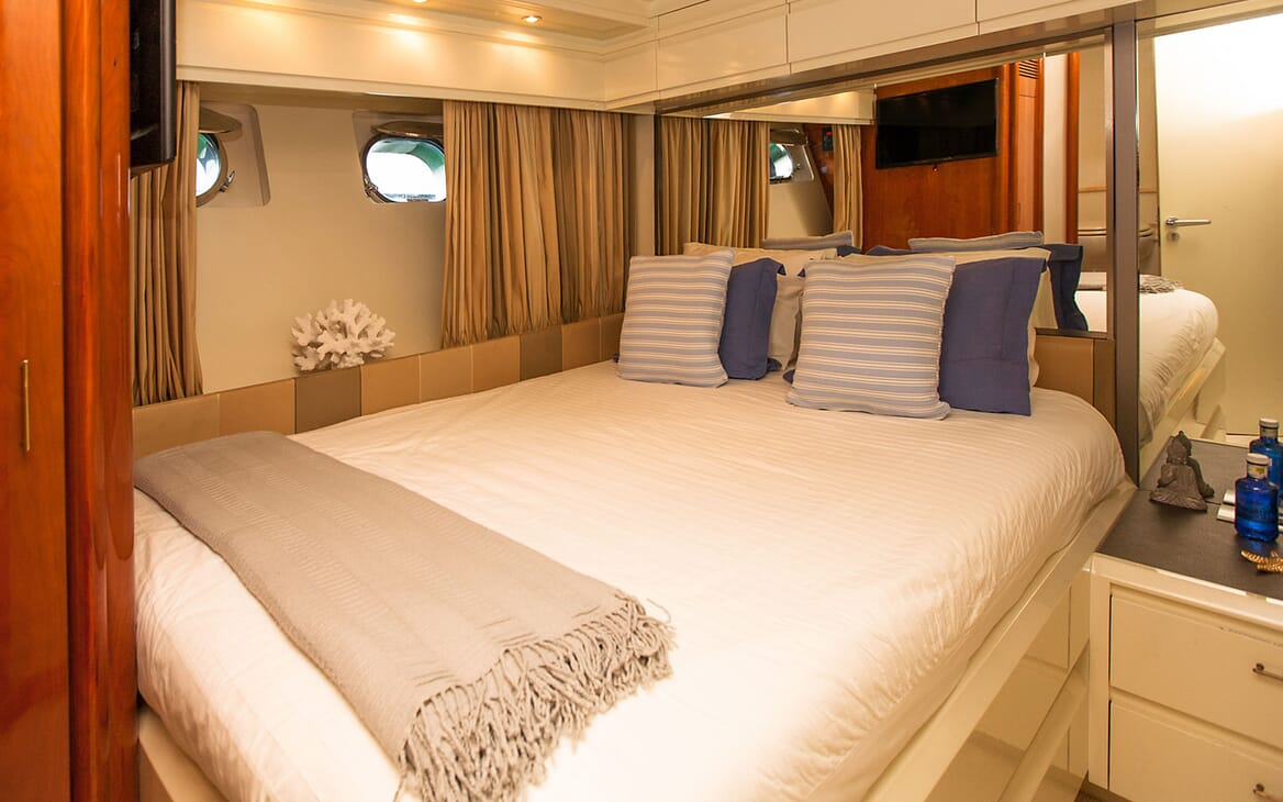 Motor Yacht WHITE FANG Guest Double Stateroom