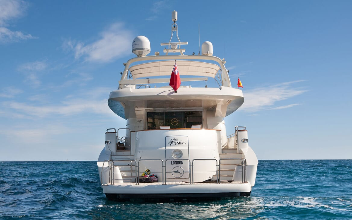 Motor Yacht WHITE FANG Aft View