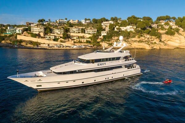 Motor Yacht ENVY Profile