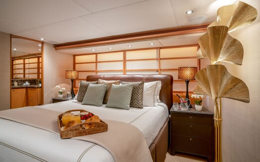 Motor Yacht ENVY Double Guest Stateroom