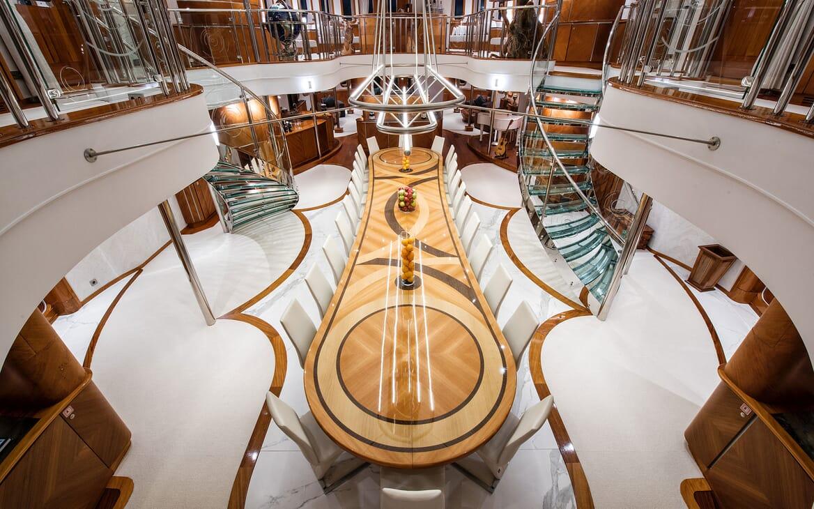 Motor Yacht SHERAKAN Dining Table