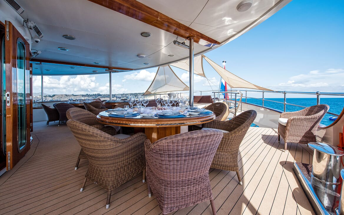 Motor Yacht SHERAKAN Aft Dining Table
