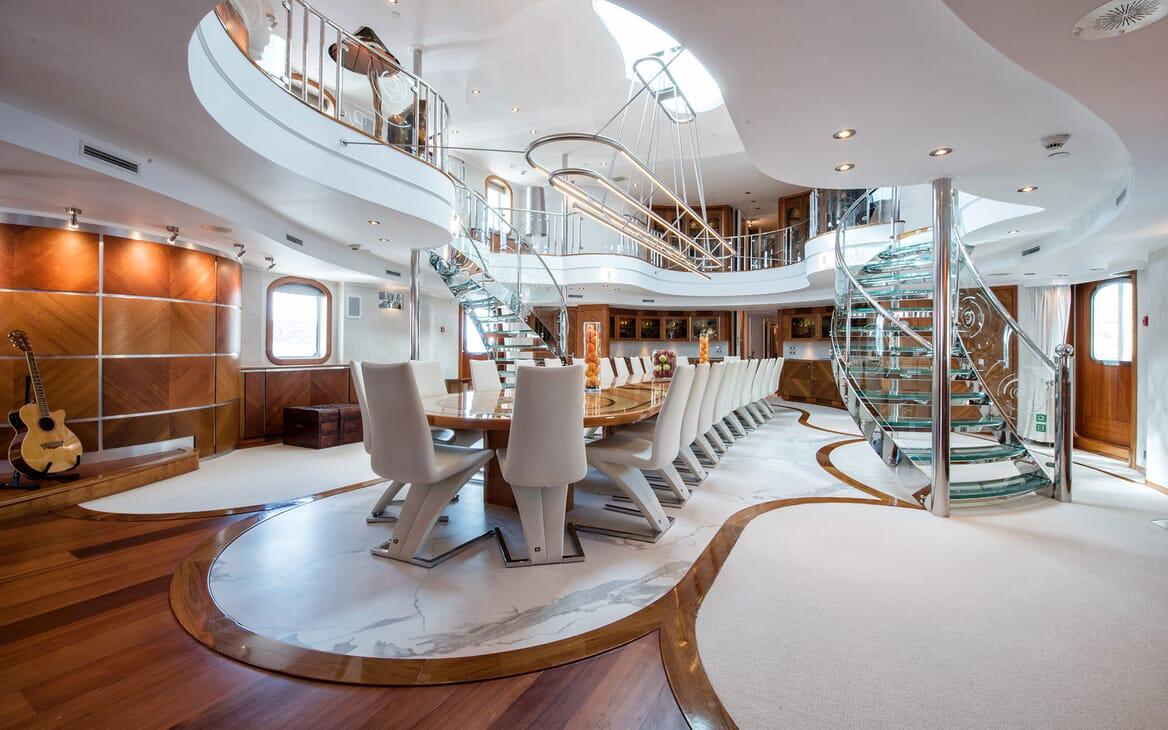 Motor Yacht SHERAKAN Dining Room