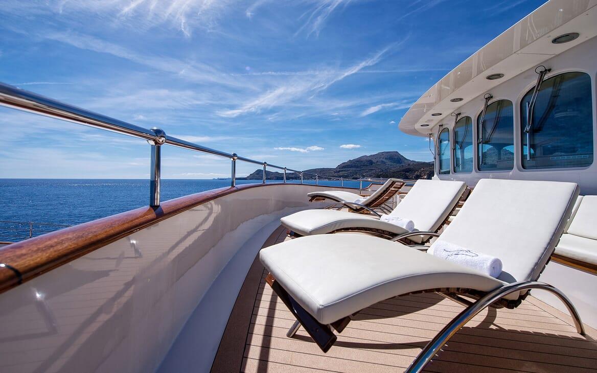 Motor Yacht SHERAKAN Deck Sun Loungers