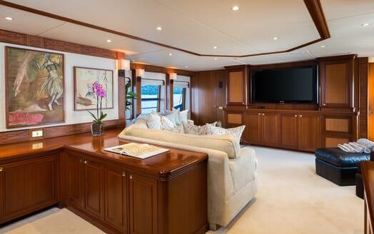 Motor Yacht Brazil salon