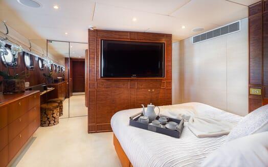 Motor Yacht Brazil VIP cabin