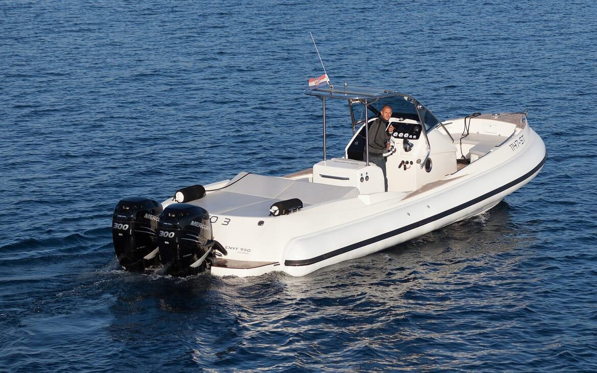 Motor Yacht Brazil tender