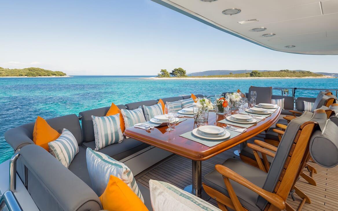 Motor Yacht Brazil al fresco dining