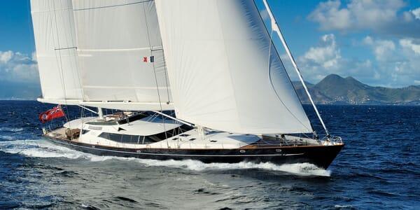 Sailing Yacht DRUMBEAT Profile Underway