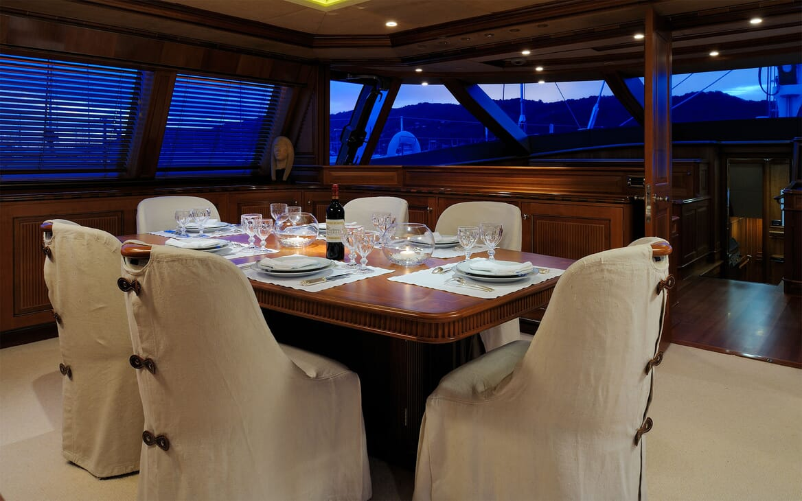 Sailing Yacht DRUMBEAT Dining Table