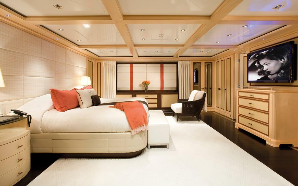 Motor Yacht Odessa master cabin