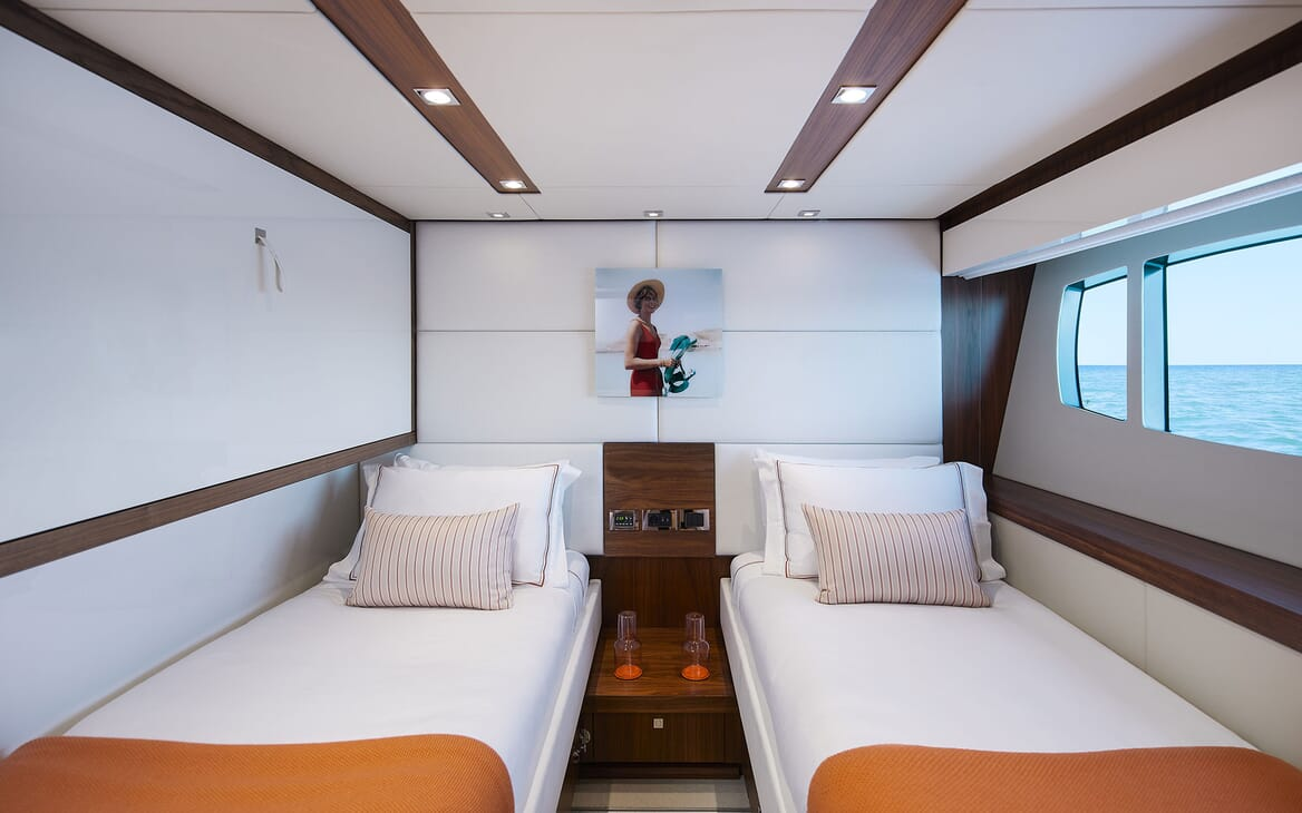 Motor Yacht THREE RIVERS Twin Guest Stateroom