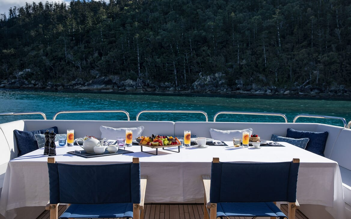 Motor Yacht THREE RIVERS Al Fresco Dining