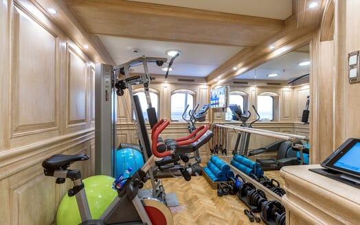 Motor Yacht NERO Gym