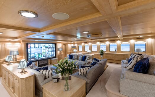 Motor Yacht NERO Main Saloon TV