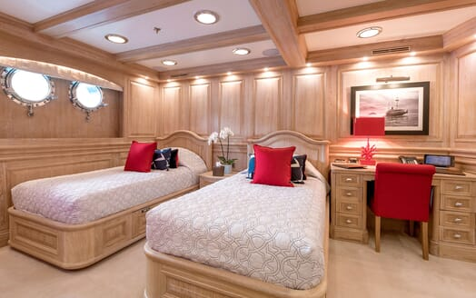 Motor Yacht NERO Guest Twin Stateroom
