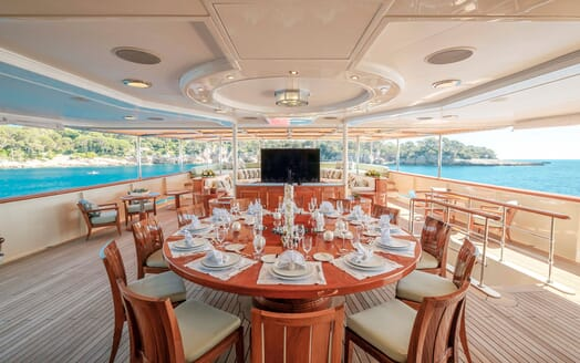 Motor Yacht NERO Al Fresco Dining