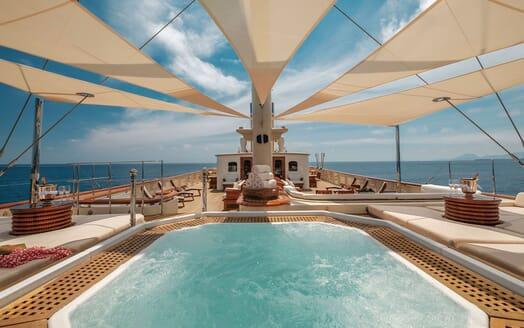 Motor Yacht NERO Sun Deck Jacuzzi