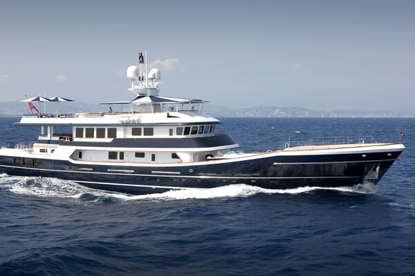 Motor Yachts THE MERCY BOYS Profile Underway