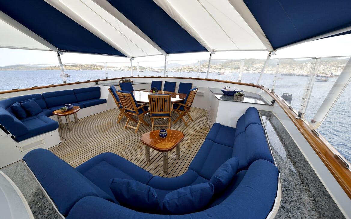 Motor Yachts THE MERCY BOYS Sun Deck Forward
