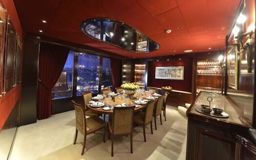 Motor Yachts THE MERCY BOYS Dining Table
