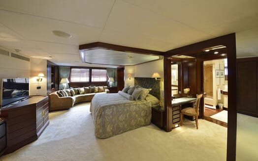 Motor Yachts THE MERCY BOYS Master Stateroom