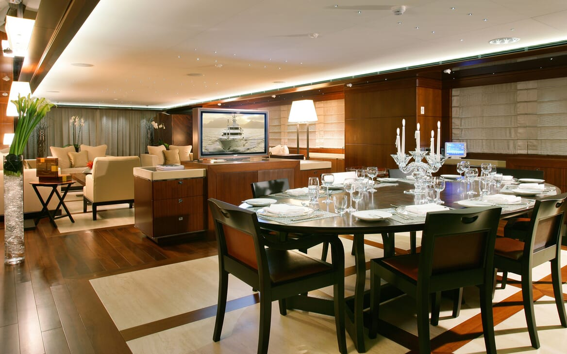Motor Yacht Maraya living area