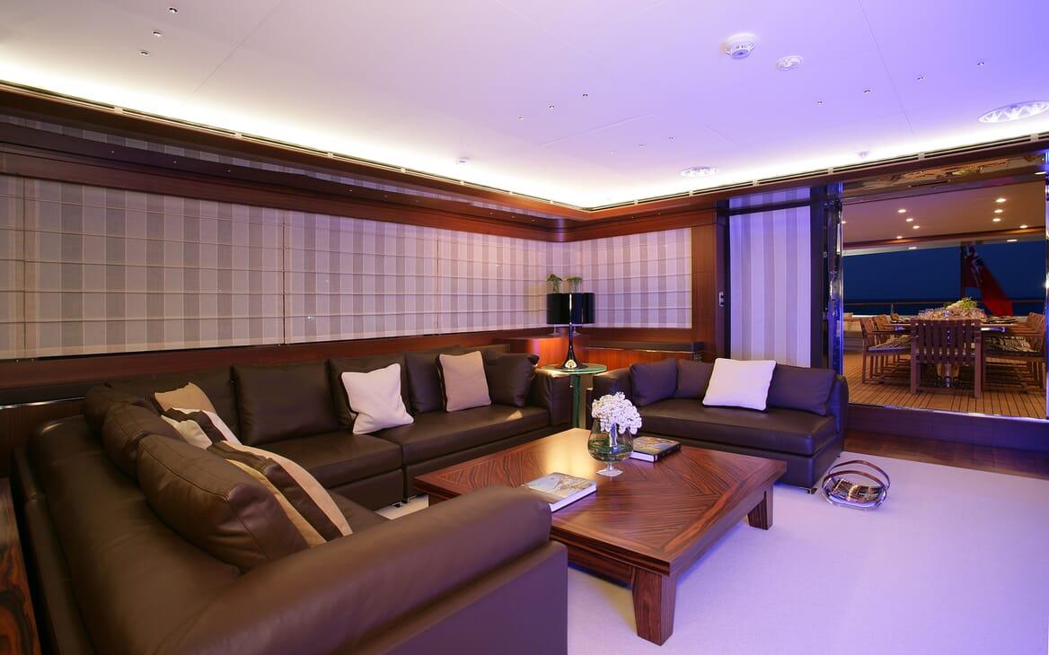 Motor Yacht Maraya salon