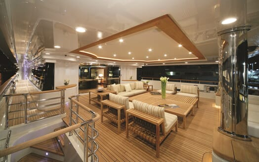 Motor Yacht Maraya outdoor dining area