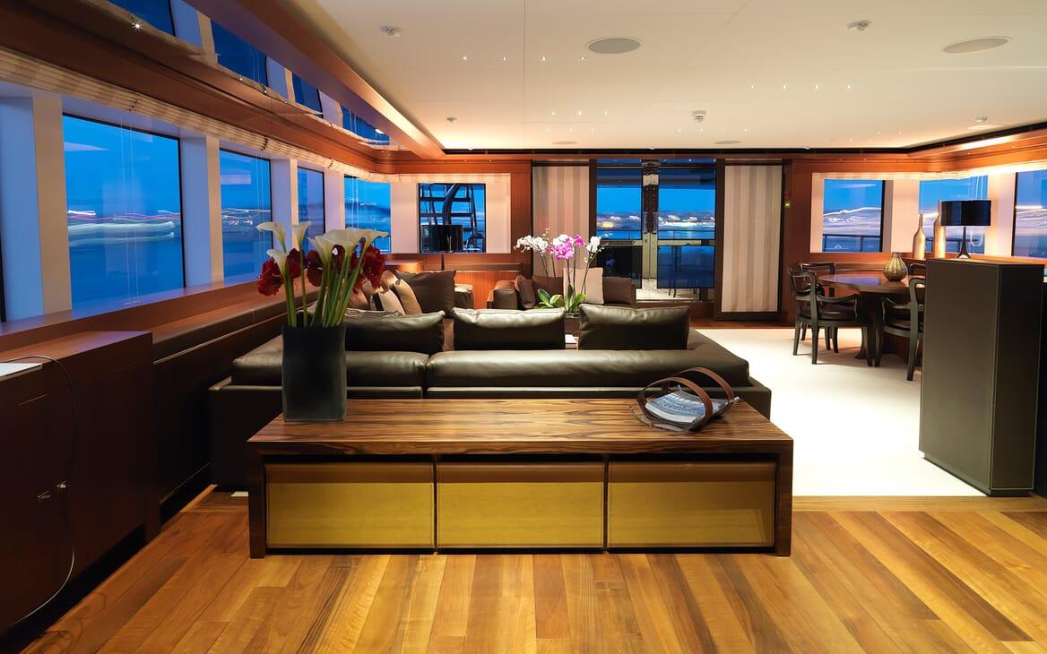 Motor Yacht Maraya seating area