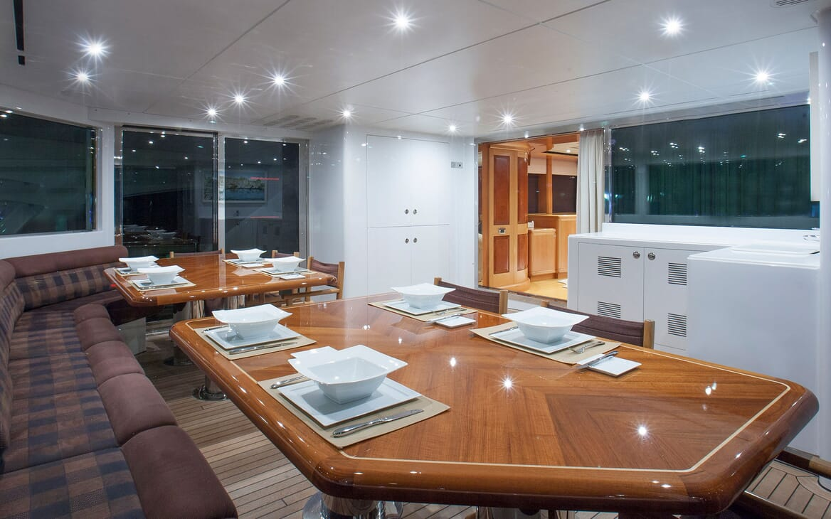 Motor Yacht Mac Brew Seating and Tables