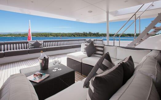 Motor Yacht Mac Brew Aft Deck
