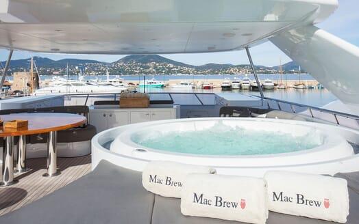 Motor Yacht Mac Brew Sun Deck Jacuzzi