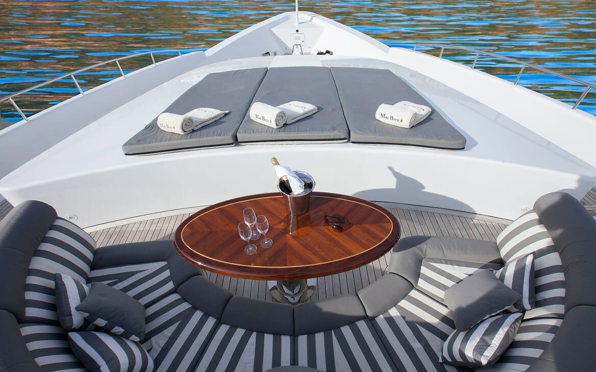 Motor Yacht Mac Brew Bow Seating and Loungers