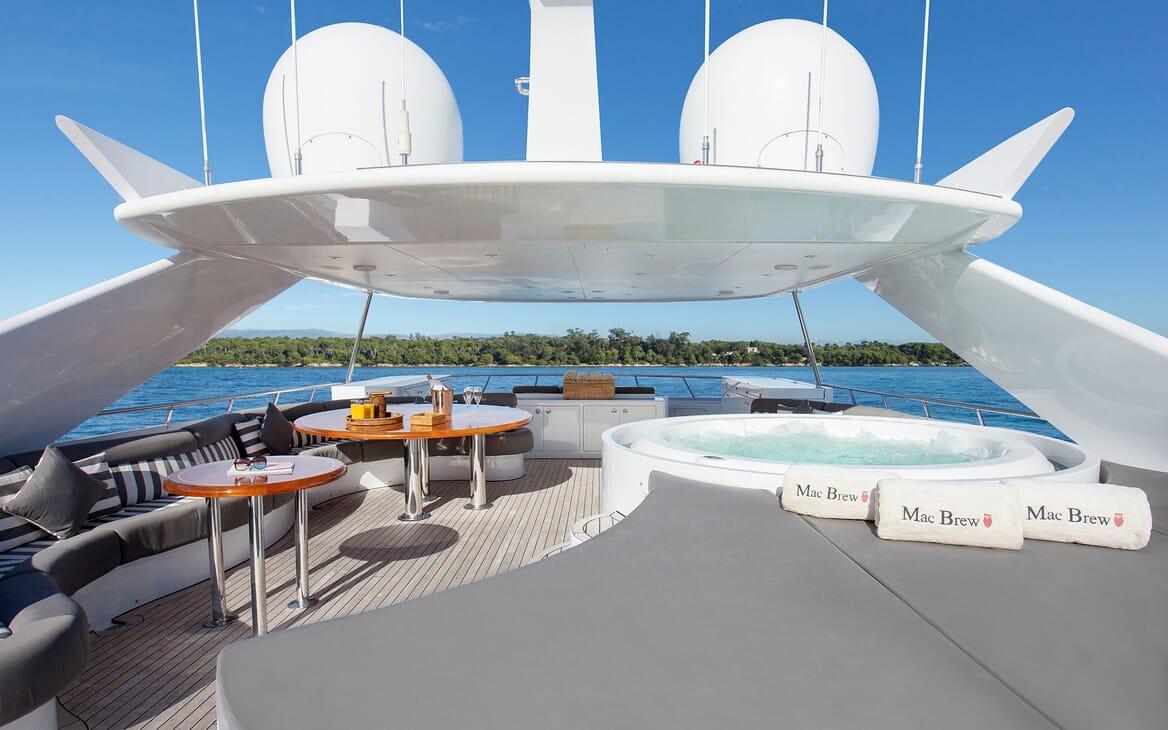Motor Yacht Mac Brew Sun Deck