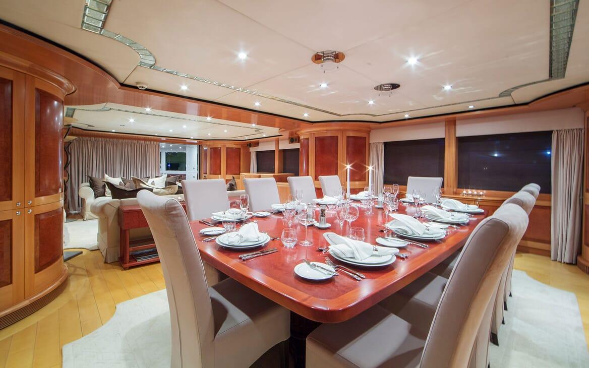 Motor Yacht Mac Brew Dining Table